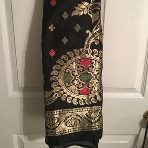 Other - *SPRING CLEANING* Bollywood black brocade dupatta